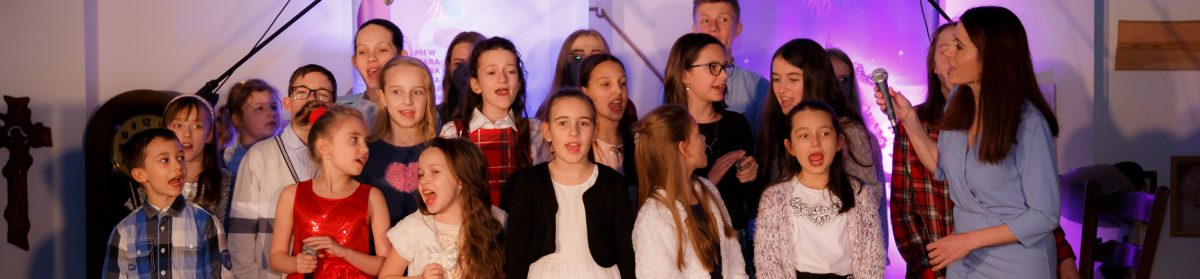 Aneta Dąbska – nauka śpiewu, lekcje gitary i fortepianu. Lublin